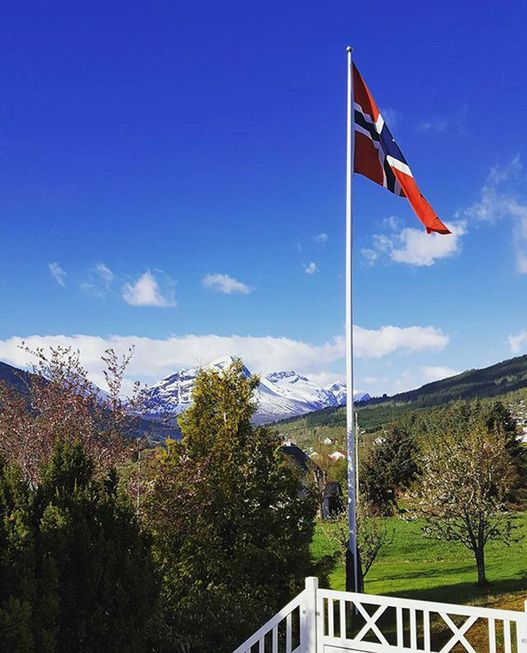 May 17 - Norway's national day. The weather and the nature is showing off it's magic mix of colors: blue, white and green with the flag topping it off. #mittstranda❤ #strandafjellet (Foto: @oddmundlanglo)